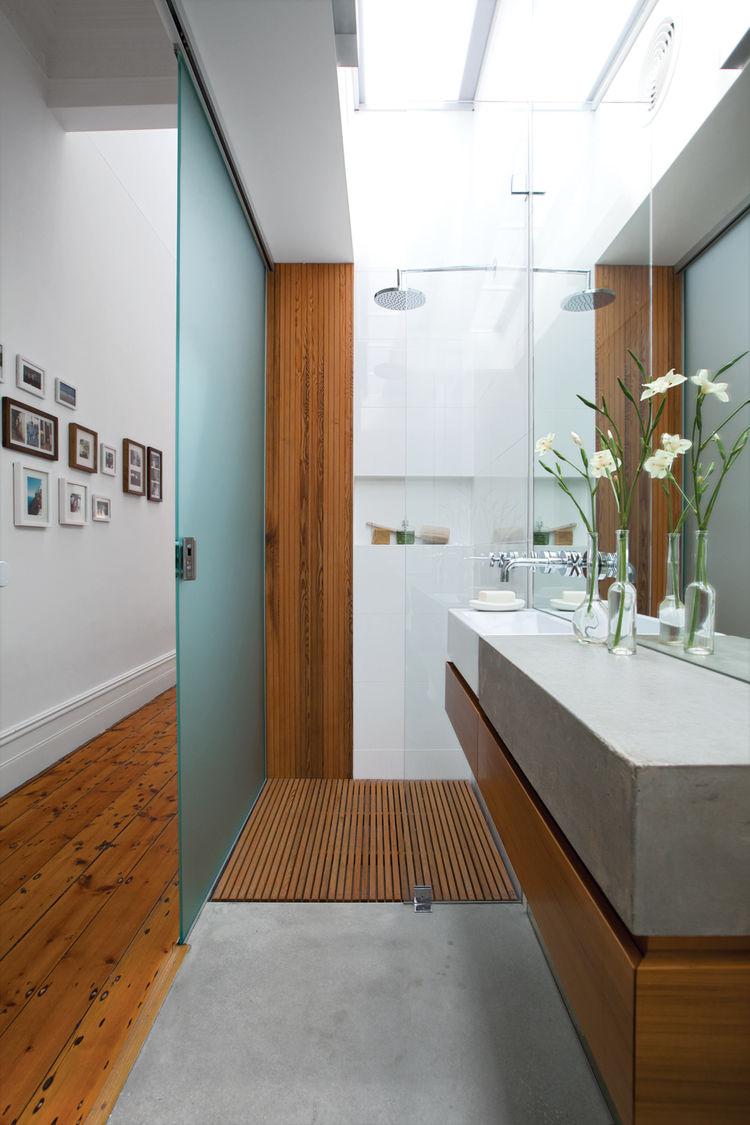 Modern bathroom renovations Danpalon roof