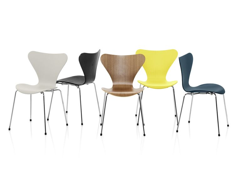 Series 7 Chair designed by Arne Jacobsen