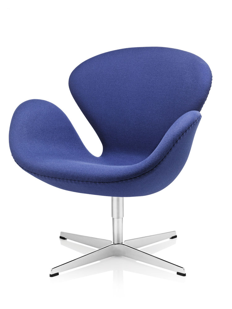 Swan Chair by Fritz Hansen and Arne Jacobsen