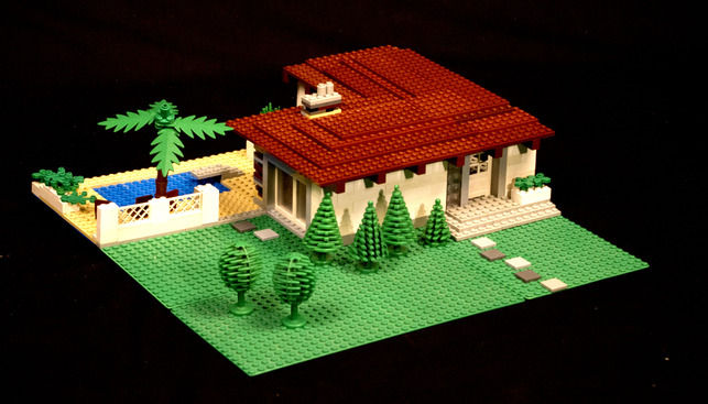 Villa Subburbe Lego House by Andrew Black