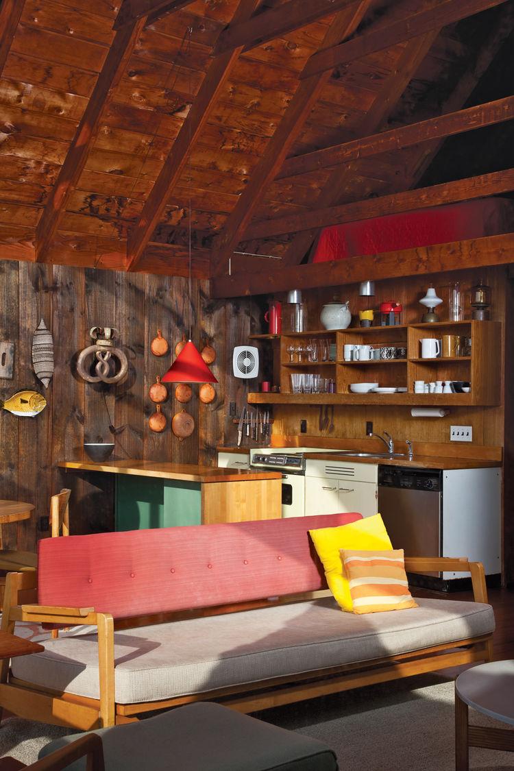 Modern living room with Jens Risom furniture