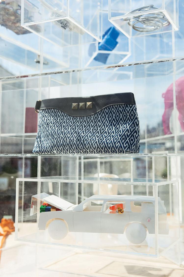 Plexiglas shelves by ViaPortal