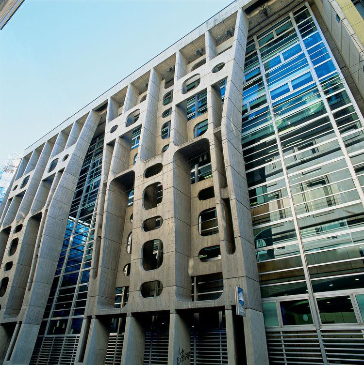 Banco de Londres by Clorindo Testa