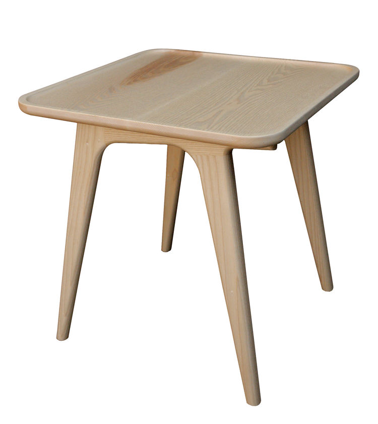 Rian end table by Semigood