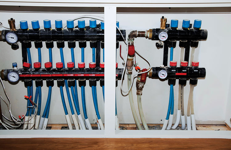 Radiant-heating system pipes and gauges