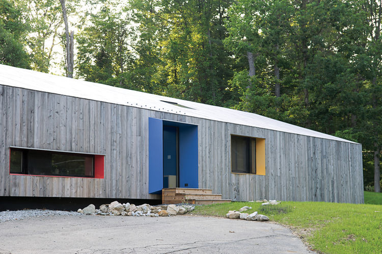 Modern cedar house in Great Barrington, Massachusetts