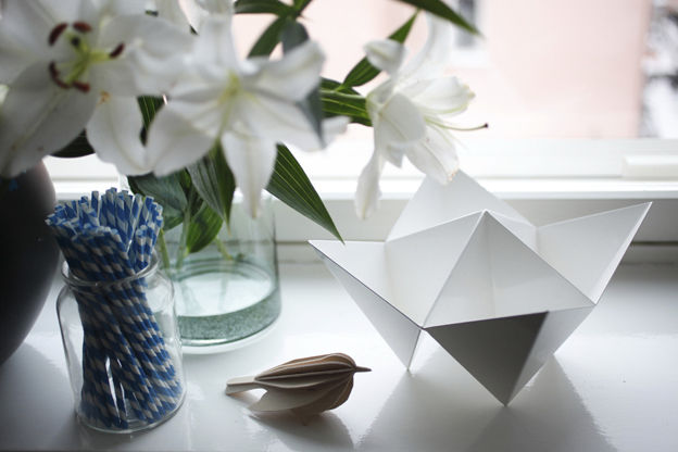 Modern graphic decorative objects