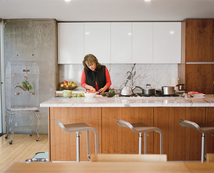 Modern kitchen with Carrara marble countertop