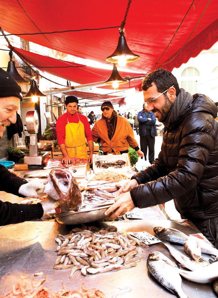 Francesco Moncada at the outdoor market