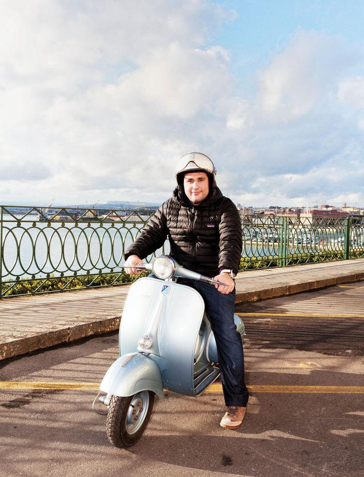 Alberto Moncada on his scooter