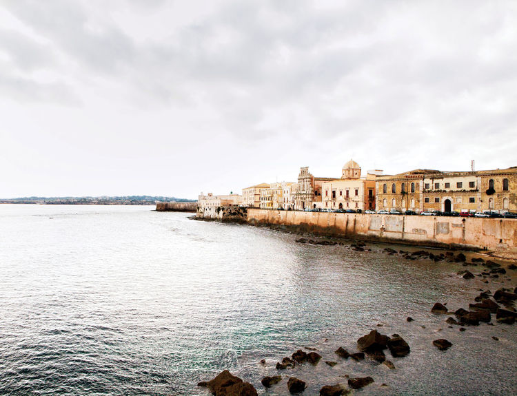 Syracuse Italy waterfront house