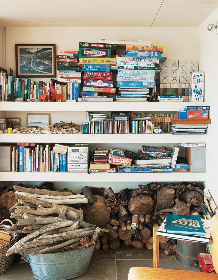 Books and board games storage area