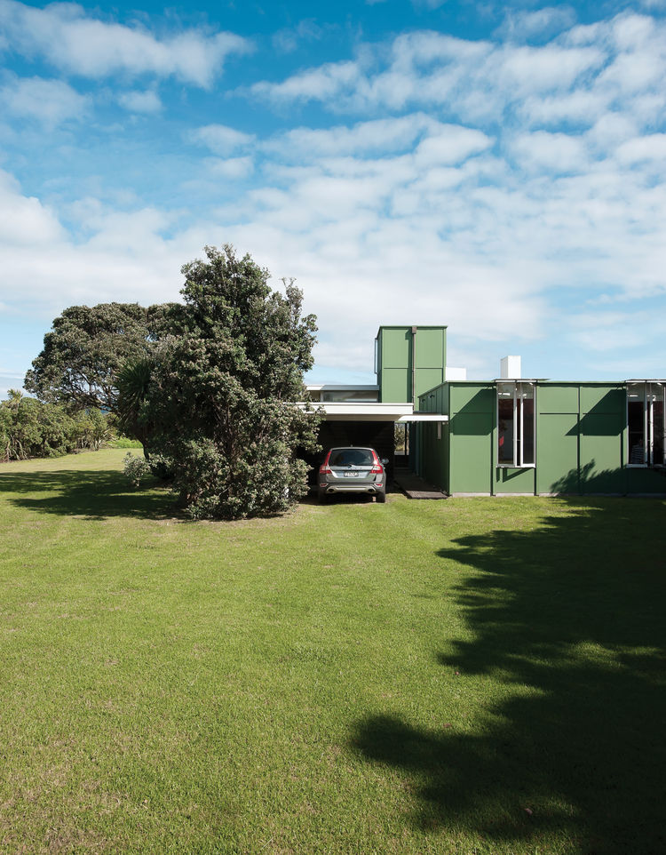 Modern beach house bach exterior