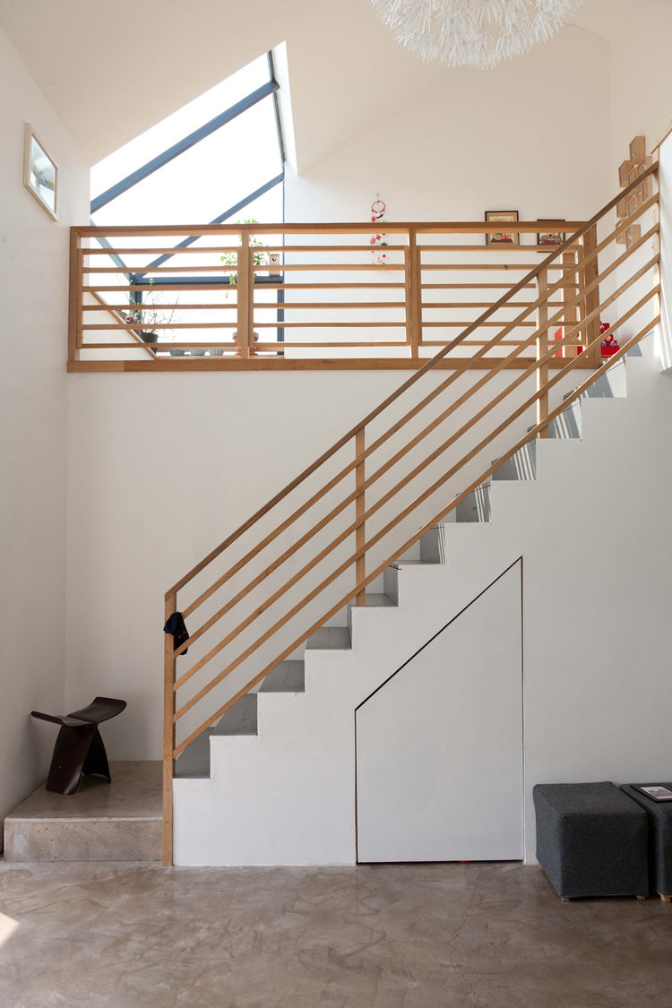 Natural wood zig zag staircase