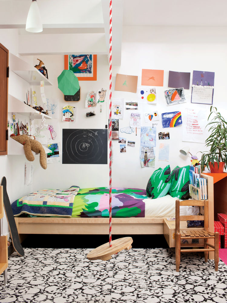 Little kids bedroom with Sola bedding for Marimekko and ceiling swing