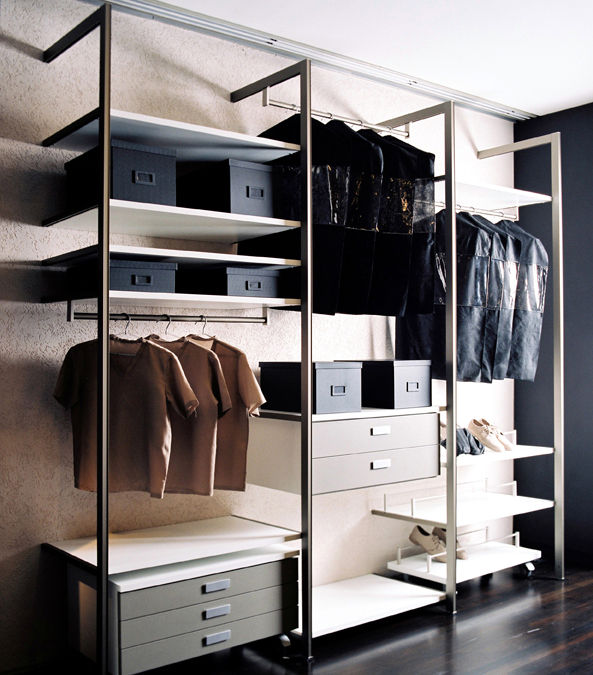 "<strong>Squadra by Ornare / <a href=""http://www.ornare.com.br"">ornare.com.br</a></strong><br /><br />  Read our <a href=""http://www.dwell.com/articles/closet-cases.html"">Dwell Reports on closet systems from the June 2009 issue</a>"