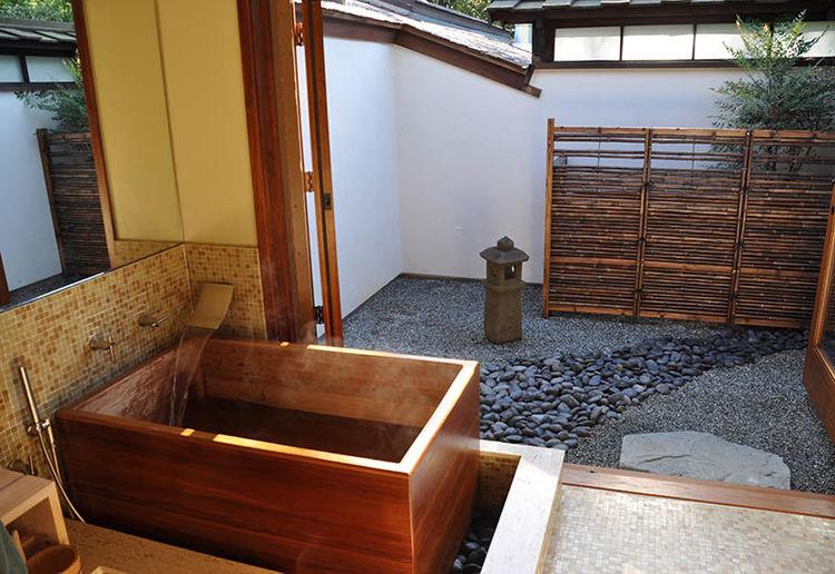 Red Cedar tub by Zen BathWorks
