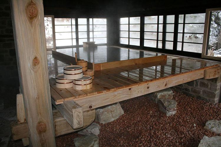 Hinoki Tub by Bartok Design Japan