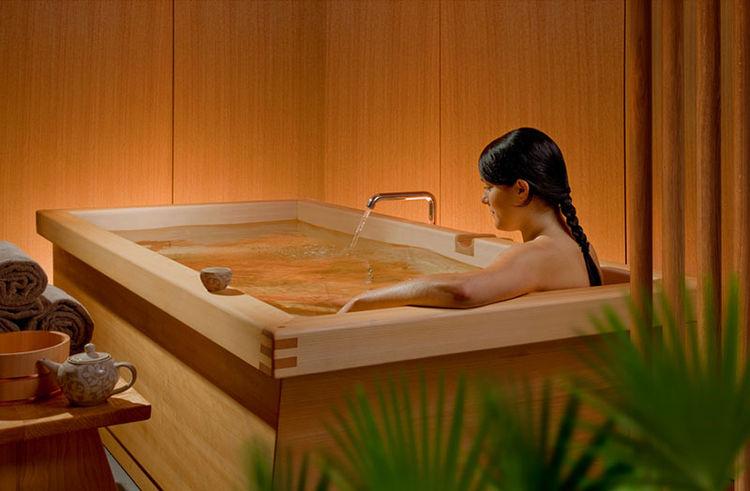 Cedar tub by Zen BathWorks