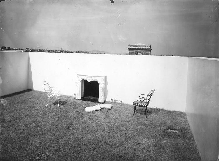 Le Corbusier outdoor garden in Paris France
