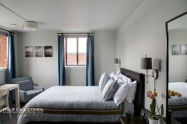 Ale House Inn bedroom