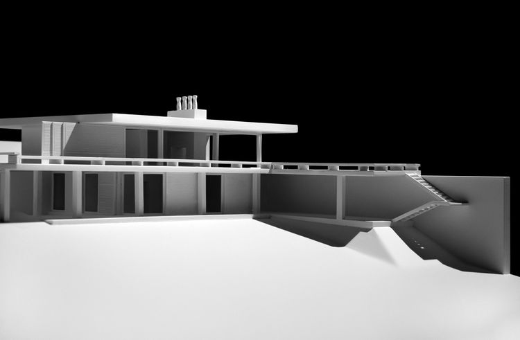 House II in Kavouri by Constantinos Decavallas