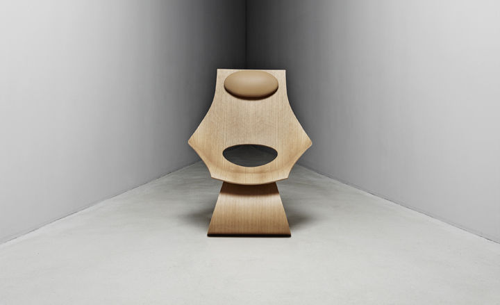 Hans Wegner tribute chair in wood by Tadao Ando for Carl Hansen & Sons at Triennale Design Museum in Milan.