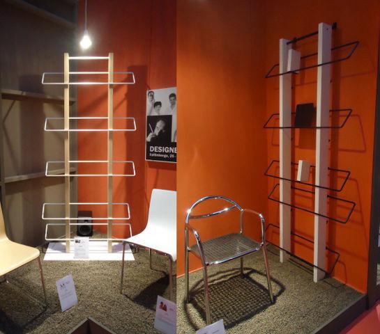 Wall mounted bookshelf by Gruppo Sintesi