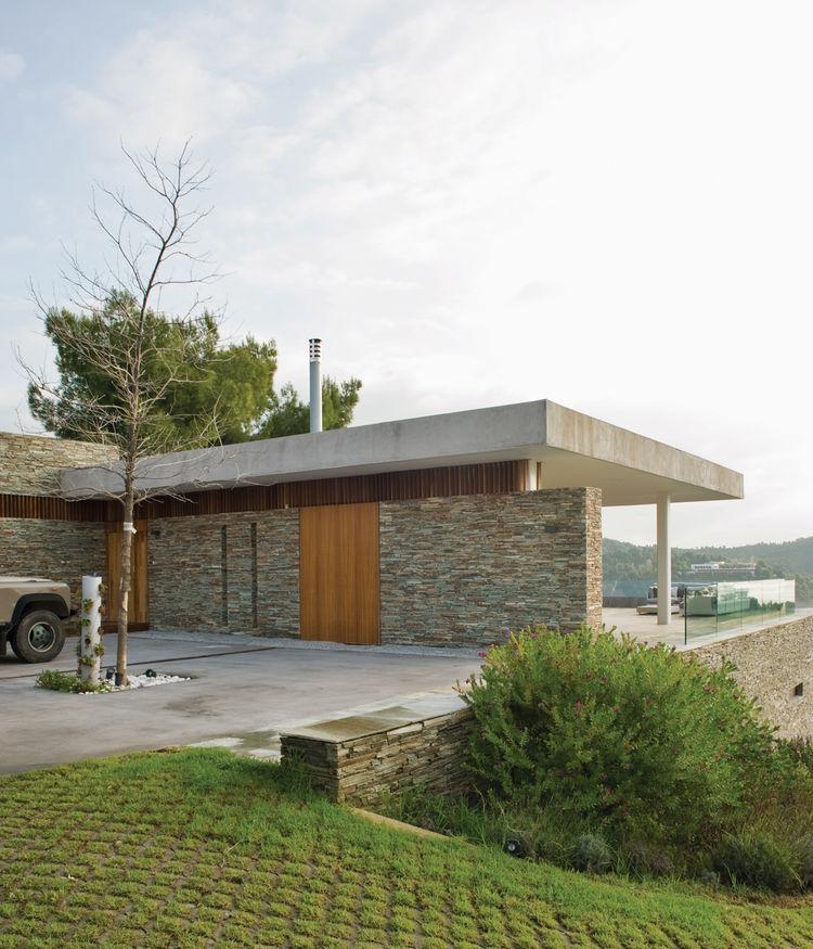 plane house greece driveway