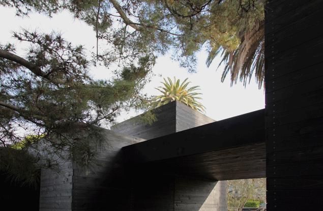 Dwell Home Venice exterior by Sebastian Mariscal