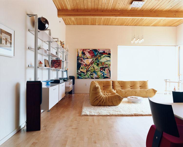 belmont street lofts living room