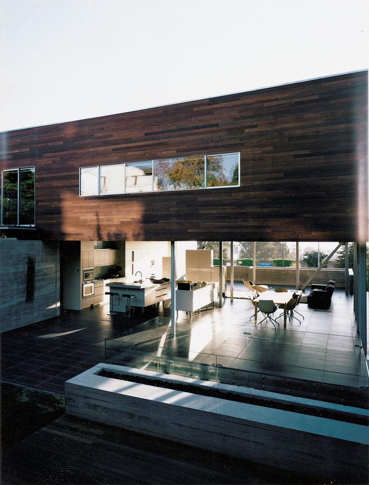 house exterior view through house