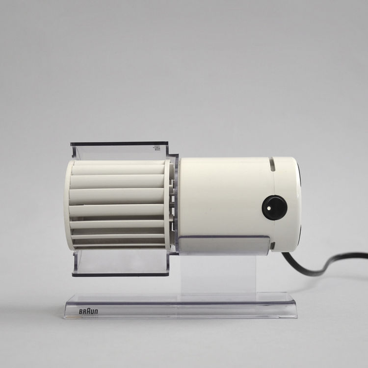 Braun HL 70 desktop fan in white, held in MoMA design collection