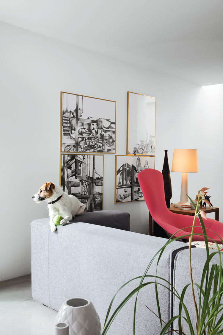 Modern living room with Cuba sofa by Cappellini