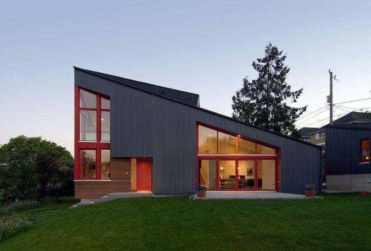 Modern exterior metal-clad home