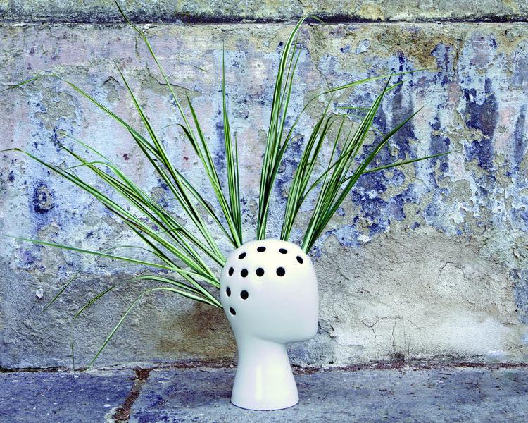 Wig vase by Tania De Cruz