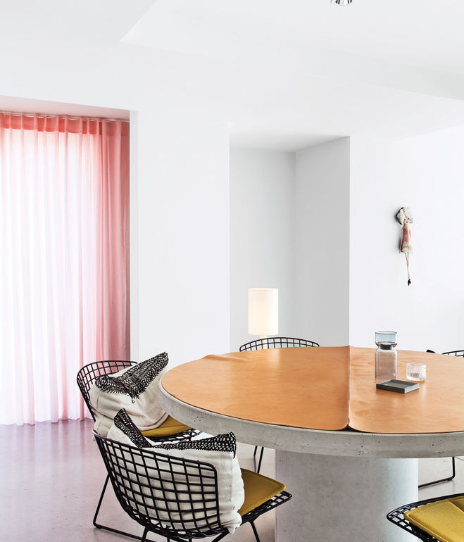 interior apartment dining table