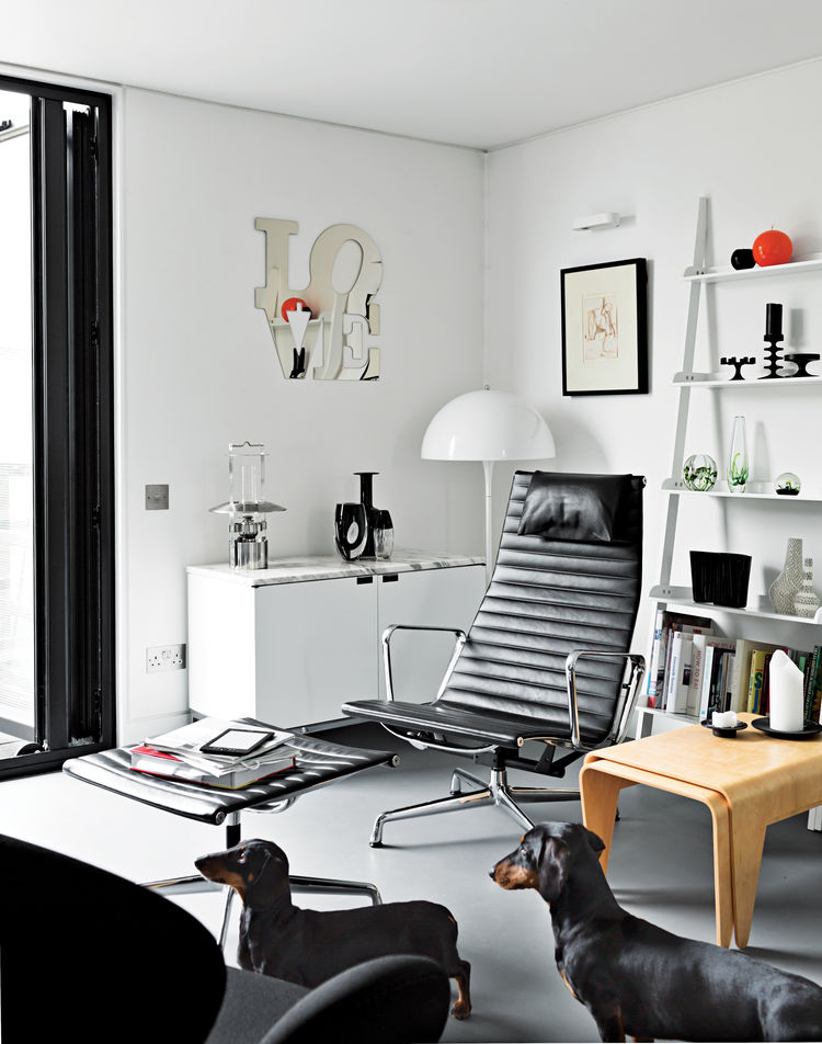 elevated deckhouse in england living room eames aluminum chair