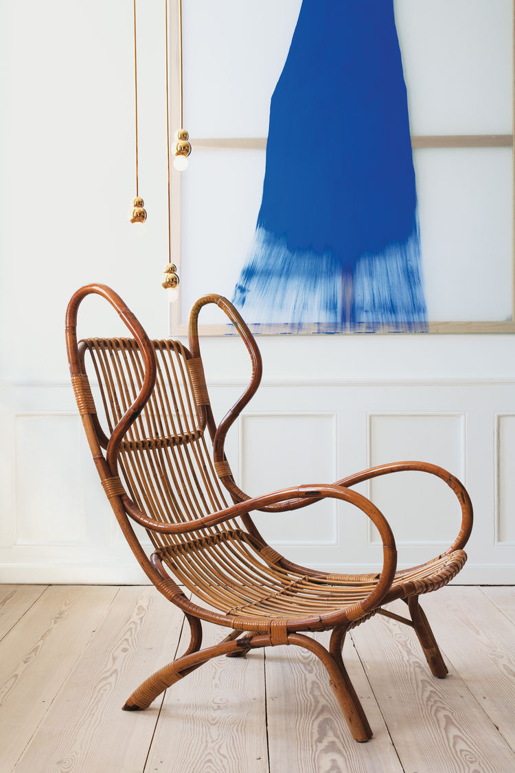 the apartment wicker bio ponti chair