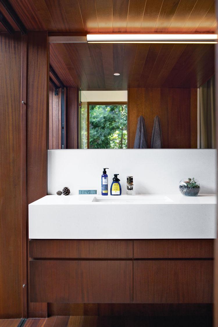 venice home interior bathroom