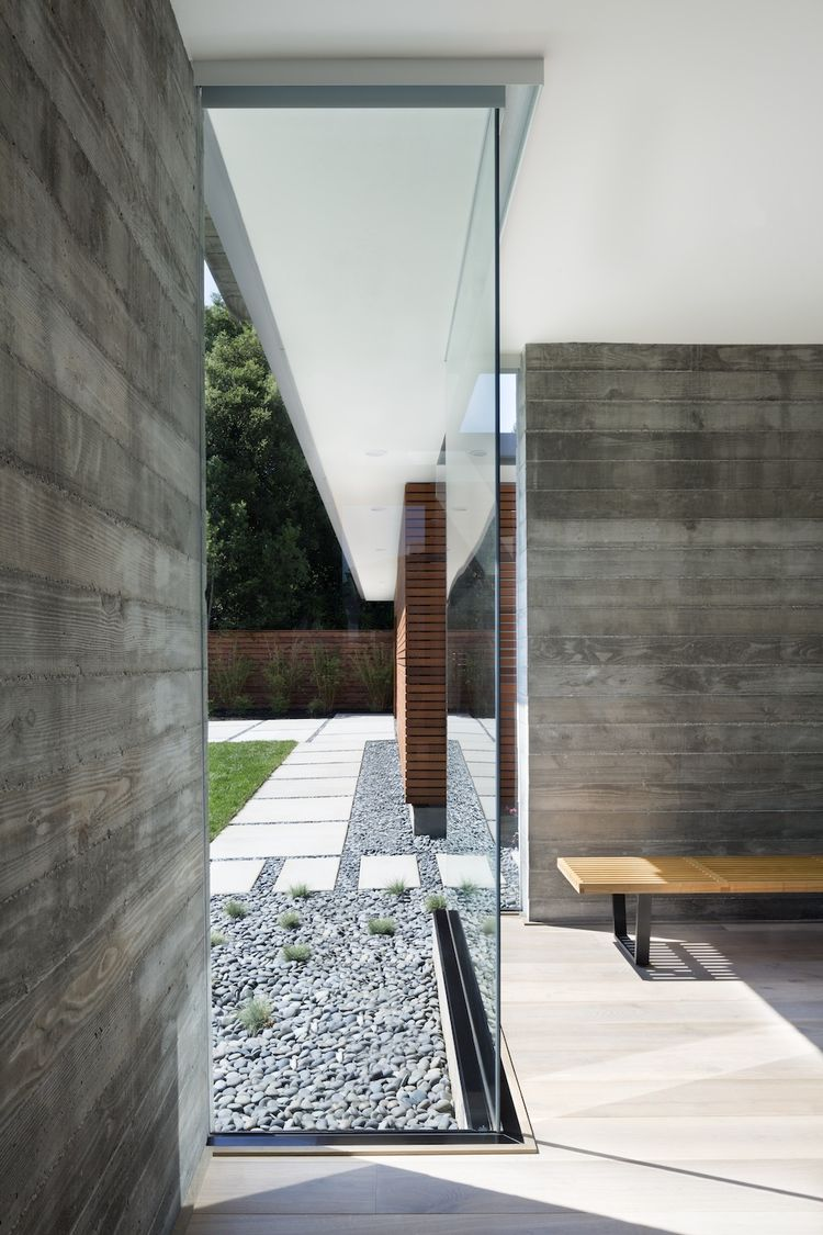 glass wall in passive house