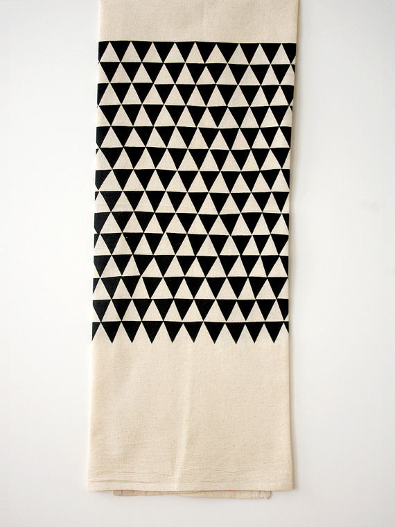 TRIANGLE FLOUR SACK TEA TOWEL