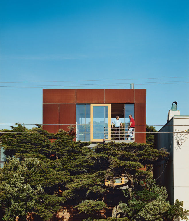 Cor-Ten steel addition to beachfront house in San Francisco