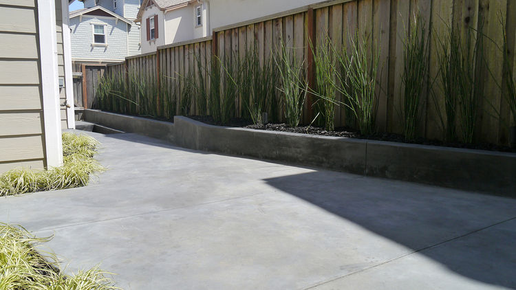 small concrete patio design