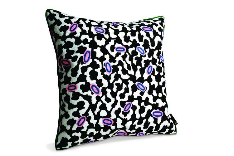 pillow, black, white