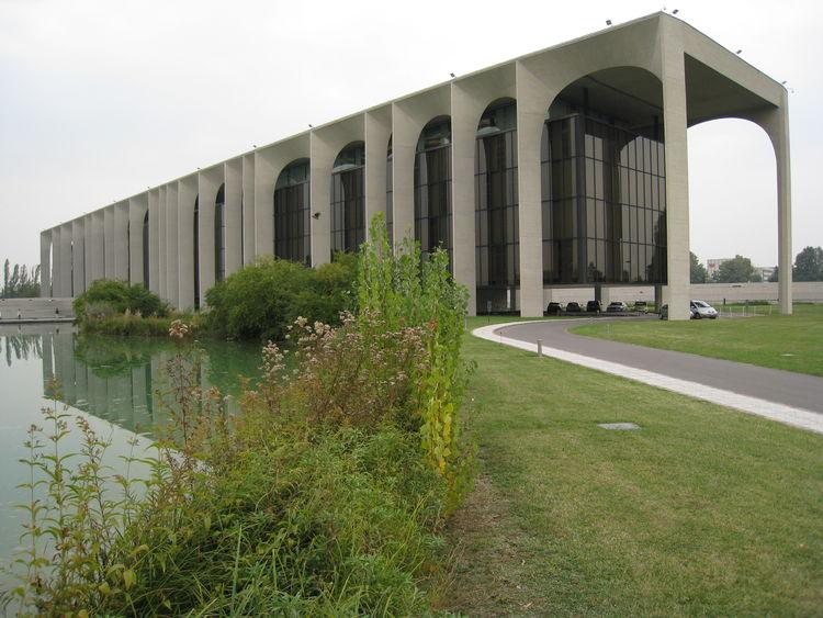 Oscar Niemeyer Brazil Modernist architect architecture concrete Brasilia