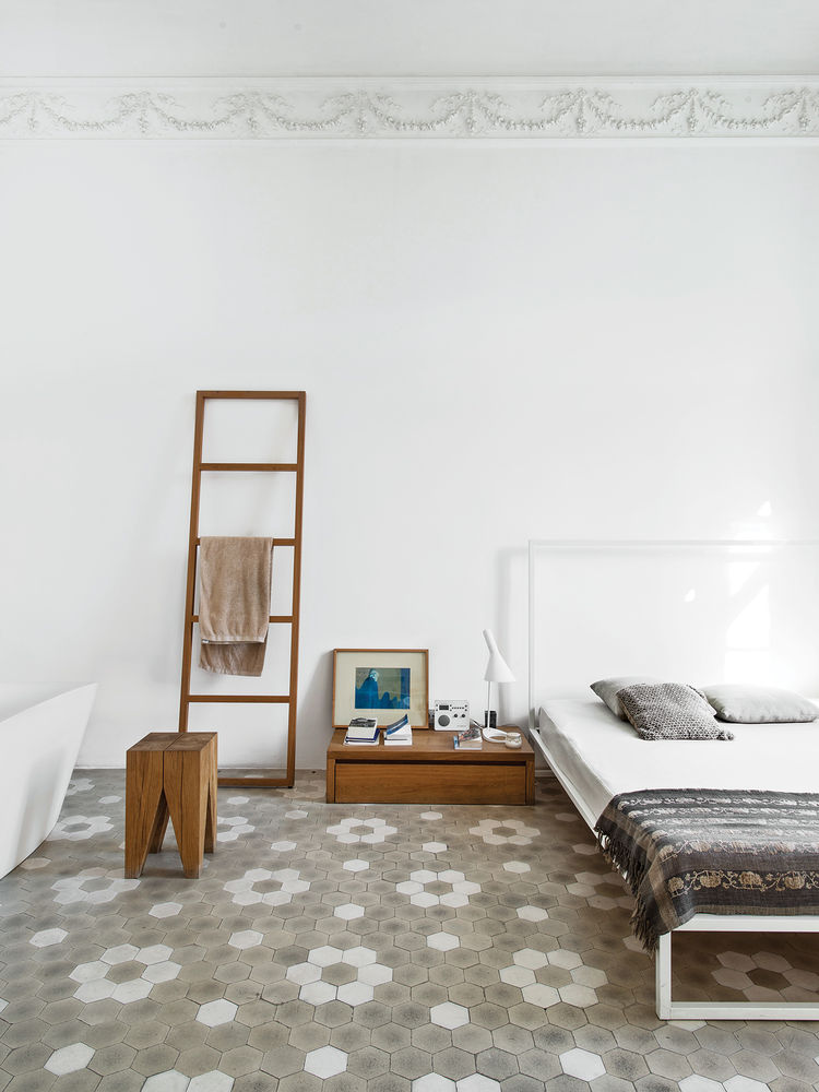 bedroom, white, walls, bed
