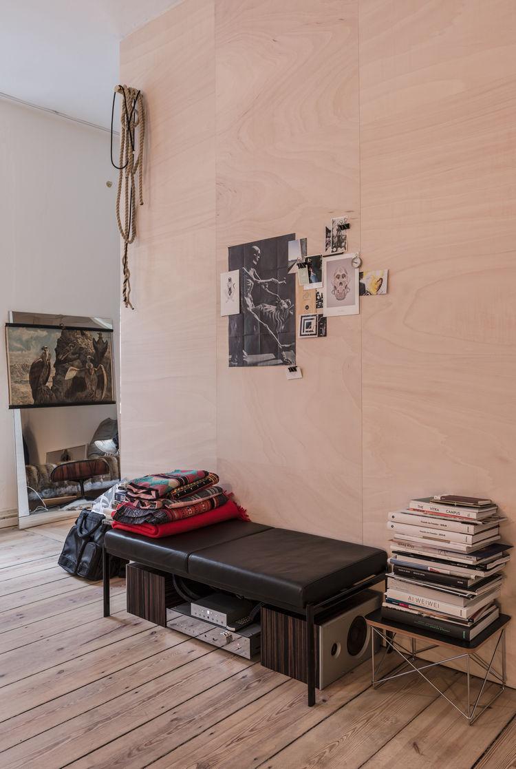 Salon of the Freunde von Freunden X Vitra Apartment
