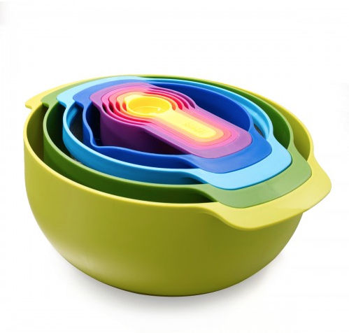 colorful nesting measuring cups