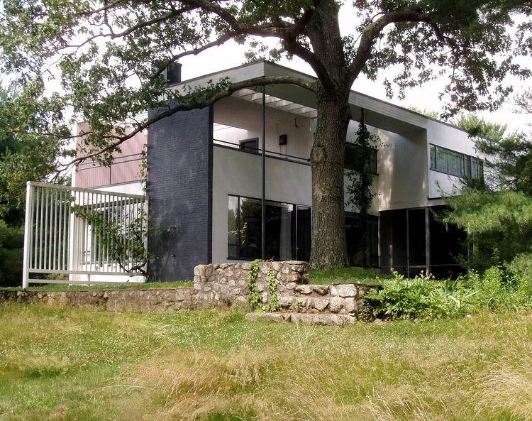 Gropius House exterior Lincoln Massachusetts modern architecture